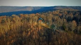 Pelham Pointe Vacation Rental Cabin Monteagle